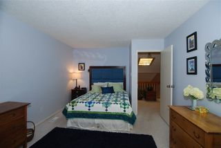 Photo 11: 220 CHATEAU Place in Edmonton: Zone 20 Townhouse for sale : MLS®# E4159287