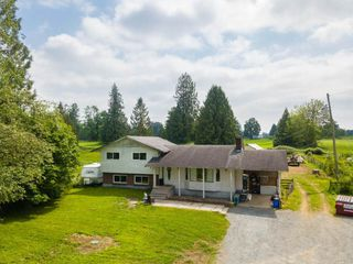 Main Photo: 27456 43 Avenue in Langley: Salmon River House for sale : MLS®# R2376066