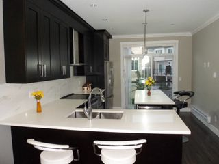 Photo 5: 116 13670 62 Avenue in Surrey: Sullivan Station Condo