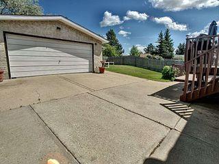 Photo 2: 8035 181 Street in Edmonton: Zone 20 House for sale : MLS®# E4162108