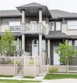 Photo 2: 577 Orchards Boulevard in Edmonton: Zone 53 Townhouse for sale : MLS®# E4162795