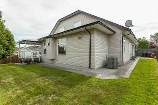 Photo 4: 4875 214A Street in Langley: Murrayville House for sale : MLS®# R2383069