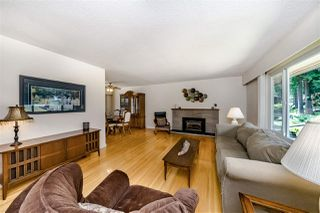 "Photo 2: 284 HARVARD Drive in Port Moody: College Park PM House for sale in ""COLLEGE PARK"" : MLS®# R2385281"