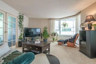 """Photo 5: 401 5790 PATTERSON Avenue in Burnaby: Metrotown Condo for sale in """"THE REGENT"""" (Burnaby South)  : MLS®# R2397207"""