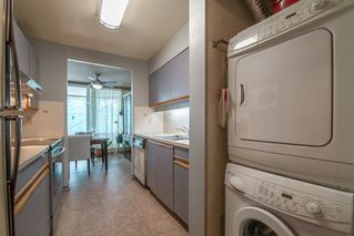 """Photo 11: 401 5790 PATTERSON Avenue in Burnaby: Metrotown Condo for sale in """"THE REGENT"""" (Burnaby South)  : MLS®# R2397207"""