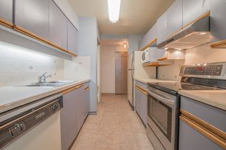 """Photo 8: 401 5790 PATTERSON Avenue in Burnaby: Metrotown Condo for sale in """"THE REGENT"""" (Burnaby South)  : MLS®# R2397207"""