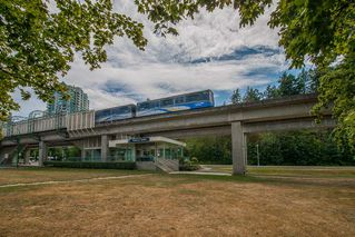 """Photo 20: 401 5790 PATTERSON Avenue in Burnaby: Metrotown Condo for sale in """"THE REGENT"""" (Burnaby South)  : MLS®# R2397207"""