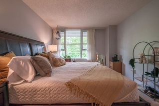 """Photo 14: 401 5790 PATTERSON Avenue in Burnaby: Metrotown Condo for sale in """"THE REGENT"""" (Burnaby South)  : MLS®# R2397207"""