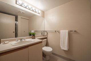 """Photo 18: 401 5790 PATTERSON Avenue in Burnaby: Metrotown Condo for sale in """"THE REGENT"""" (Burnaby South)  : MLS®# R2397207"""