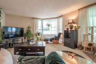"""Photo 2: 401 5790 PATTERSON Avenue in Burnaby: Metrotown Condo for sale in """"THE REGENT"""" (Burnaby South)  : MLS®# R2397207"""