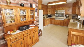 Photo 9: 7504 ROWLAND Road in Edmonton: Zone 19 House for sale : MLS®# E4181278