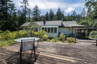 Photo 33: 396 W Viaduct Ave in Saanich: SW Prospect Lake House for sale (Saanich West)  : MLS®# 842857