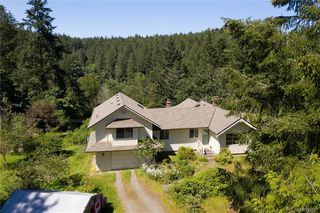 Photo 48: 396 W Viaduct Ave in Saanich: SW Prospect Lake House for sale (Saanich West)  : MLS®# 842857