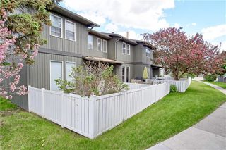 Main Photo: 5340 17 Avenue SW in Calgary: Westgate Row/Townhouse for sale : MLS®# A1036916