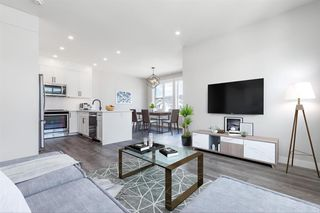 Photo 4: 137 Crestridge Common SW in Calgary: Crestmont Row/Townhouse for sale : MLS®# A1048109