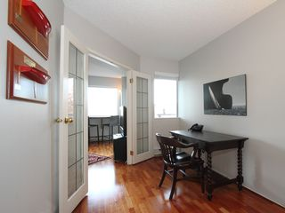 "Photo 15: 404 1510 W 1ST Avenue in Vancouver: False Creek Condo for sale in ""MARINERS POINT"" (Vancouver West)  : MLS®# V919317"