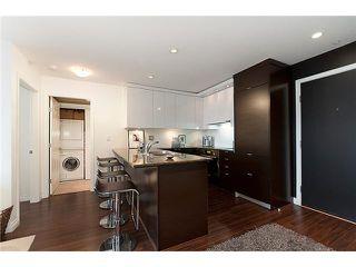 Photo 3: 4008 84 GRANT Street in Port Moody: Port Moody Centre Condo for sale : MLS®# V925241