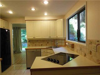 "Photo 2: 955 HERITAGE Boulevard in North Vancouver: Seymour Townhouse for sale in ""Heritage In The Woods"" : MLS®# V1031683"
