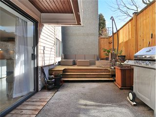 """Photo 15: 101 2045 FRANKLIN Street in Vancouver: Hastings Condo for sale in """"HARBOUR MOUNT"""" (Vancouver East)  : MLS®# V1049075"""