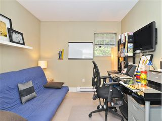 """Photo 12: 101 2045 FRANKLIN Street in Vancouver: Hastings Condo for sale in """"HARBOUR MOUNT"""" (Vancouver East)  : MLS®# V1049075"""