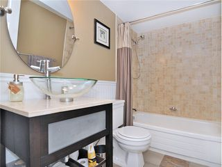 """Photo 13: 101 2045 FRANKLIN Street in Vancouver: Hastings Condo for sale in """"HARBOUR MOUNT"""" (Vancouver East)  : MLS®# V1049075"""