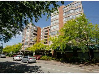 "Main Photo: 411 15111 RUSSELL Avenue: White Rock Condo for sale in ""PACIFIC TERRACE"" (South Surrey White Rock)  : MLS®# F1427876"