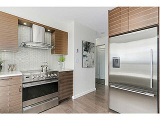 "Photo 8: 902 1405 W 12TH Avenue in Vancouver: Fairview VW Condo for sale in ""THE WARRENTON"" (Vancouver West)  : MLS®# V1120678"