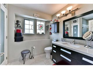 """Photo 14: 110 16335 14TH Avenue in Surrey: King George Corridor Townhouse for sale in """"Pebble Creek"""" (South Surrey White Rock)  : MLS®# F1441807"""