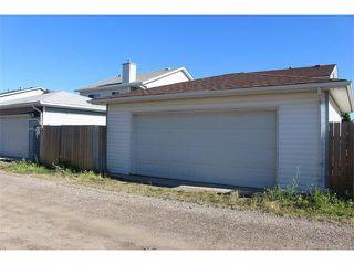 Photo 17: 36 ERIN MEADOW Way SE in Calgary: Erinwoods House for sale : MLS®# C4022030
