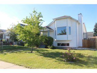 Photo 2: 36 ERIN MEADOW Way SE in Calgary: Erinwoods House for sale : MLS®# C4022030