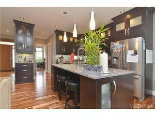 Photo 8: 3747 Ridge Pond Dr in VICTORIA: La Happy Valley House for sale (Langford)  : MLS®# 710243