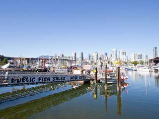 "Photo 32: 108 1508 MARINER Walk in Vancouver: False Creek Condo for sale in ""Mariner Walk"" (Vancouver West)  : MLS®# R2033804"
