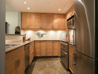 "Photo 13: 108 1508 MARINER Walk in Vancouver: False Creek Condo for sale in ""Mariner Walk"" (Vancouver West)  : MLS®# R2033804"