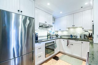 Photo 2: 2308 VINE Street in Vancouver: Kitsilano Townhouse for sale (Vancouver West)  : MLS®# R2039868