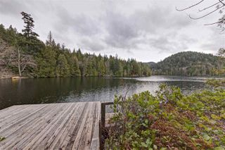 "Photo 16: 13478 LAKEVIEW Road in Pender Harbour: Pender Harbour Egmont House for sale in ""Hotel Lake"" (Sunshine Coast)  : MLS®# R2042596"