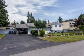 "Photo 2: 10166 MARY Drive in Surrey: Cedar Hills House for sale in ""St. Helens Park"" (North Surrey)  : MLS®# R2078044"