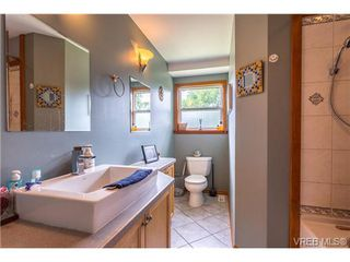 Photo 11: 3140 Lynnlark Pl in VICTORIA: Co Hatley Park Single Family Detached for sale (Colwood)  : MLS®# 734049