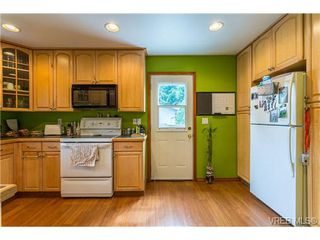 Photo 6: 3140 Lynnlark Pl in VICTORIA: Co Hatley Park Single Family Detached for sale (Colwood)  : MLS®# 734049