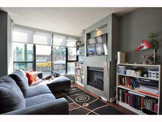 Photo 2: 215 3228 TUPPER Street: Cambie Home for sale ()  : MLS®# V974295