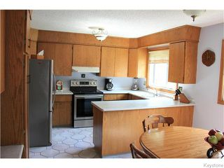 Photo 2: 825 Kilkenny Drive in Winnipeg: Fort Richmond Residential for sale (1K)  : MLS®# 1623586
