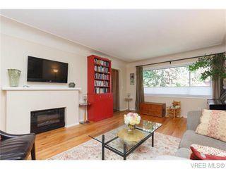 Photo 4: 1609 Chandler Ave in VICTORIA: Vi Fairfield East Half Duplex for sale (Victoria)  : MLS®# 744079