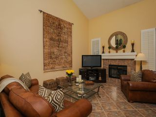 Photo 3: CARMEL VALLEY Townhome for rent : 2 bedrooms : 13325 KIbbings in San Diego
