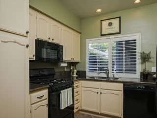 Photo 5: CARMEL VALLEY Townhome for rent : 2 bedrooms : 13325 KIbbings in San Diego
