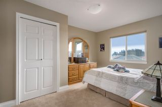 """Photo 16: 16966 FRIESIAN Drive in Surrey: Cloverdale BC House for sale in """"Richardson Ridge"""" (Cloverdale)  : MLS®# R2132826"""