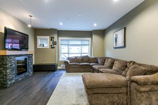 """Photo 2: 22 7298 199A Street in Langley: Willoughby Heights Townhouse for sale in """"YORK"""" : MLS®# R2135397"""