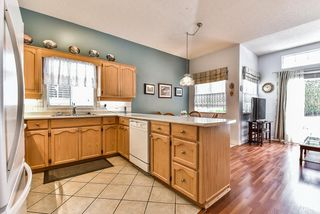 "Photo 7: 95 9012 WALNUT GROVE Drive in Langley: Walnut Grove Townhouse for sale in ""QUEEN ANNE GREEN"" : MLS®# R2140275"