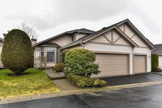 "Photo 1: 95 9012 WALNUT GROVE Drive in Langley: Walnut Grove Townhouse for sale in ""QUEEN ANNE GREEN"" : MLS®# R2140275"