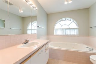 "Photo 18: 111 6109 W BOUNDARY Drive in Surrey: Panorama Ridge Townhouse for sale in ""Lakewood Gardens"" : MLS®# R2153090"
