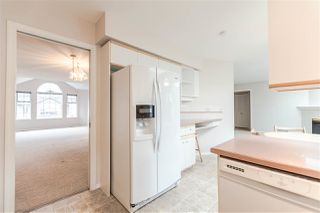 """Photo 6: 111 6109 W BOUNDARY Drive in Surrey: Panorama Ridge Townhouse for sale in """"Lakewood Gardens"""" : MLS®# R2153090"""