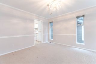 "Photo 5: 111 6109 W BOUNDARY Drive in Surrey: Panorama Ridge Townhouse for sale in ""Lakewood Gardens"" : MLS®# R2153090"